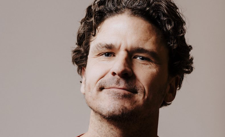 Dave Eggers, Voice of Witness